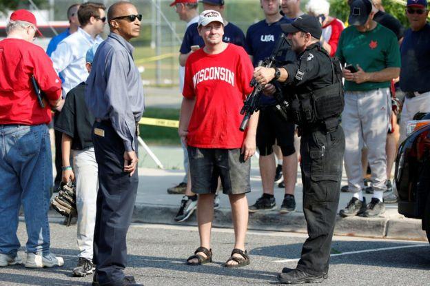 La escena tras el tiroteo en Alexandria, Virginia, Estados Unidos.