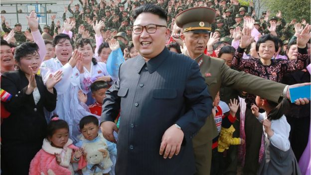Kim Jong-un among cheering supporters