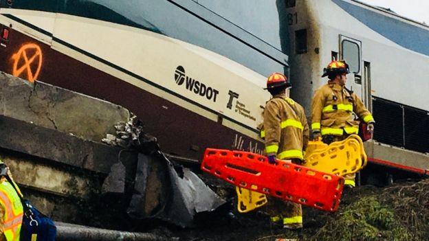 Tren descarrilado de Amtrak.