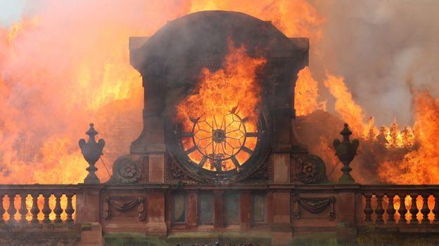 31b99b41 Primark fire: Belfast walkway opens to help businesses - BBC News