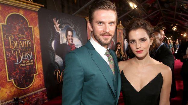 Emma Watson y Dan Stevens en el estreno de