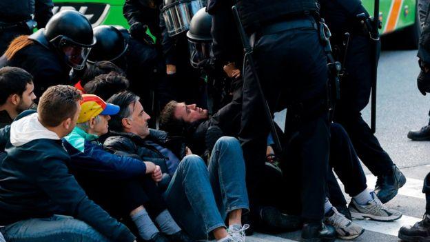 Catalan regional policemen (Mossos d