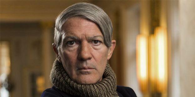 """Antonio Banderas metido en el papel de Pablo Picasso para la serie """"Genius"""" de NatGeo."""