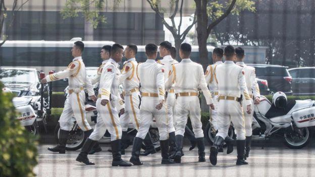 北京的機場附近有中國儀仗隊成員。