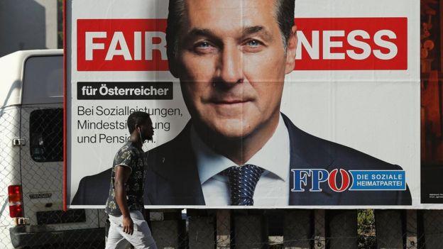極右・自由党のハインツ=クリスティアン・シュトラーヒェ党首は、クルツ氏が自身の政策を盗んだとして非難している