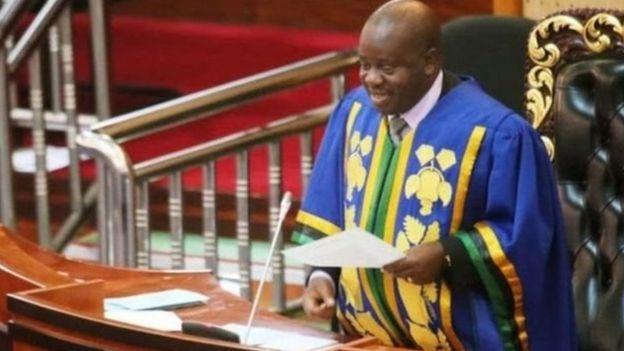 Kuanzia sasa huenda ikawa nadra kumuona Spika Ndugai akishika karatasi, baada ya Bunge kuanza kutumia tablet