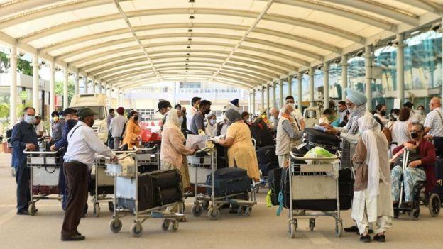क्या होते हैं ई-पासपोर्ट और इनसे क्या फायदा होगा?
