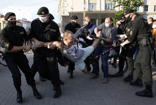 Задержание сторонников оппозиции в Минске