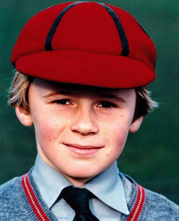 Matt de 8 años, durante el período en que fue objeto de abuso.
