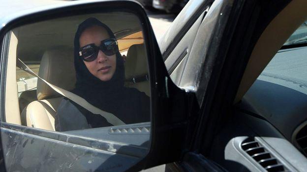 Manal al-Sharif direksiyonda