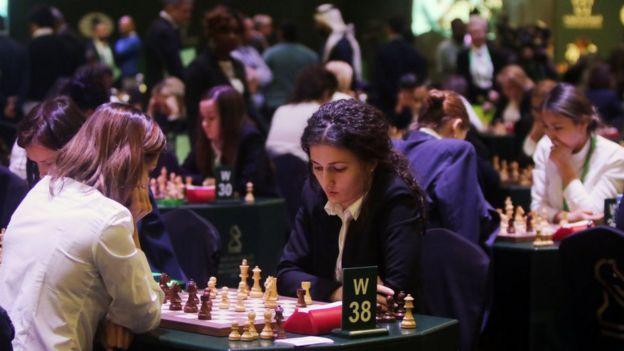 Dos mujeres participantes en el Mundial de Arabia Saudí.