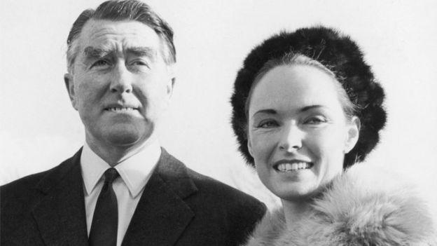 Roy Bates y su esposa