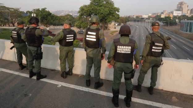 Miembros de la Guardia Nacional leales a Guaidó.