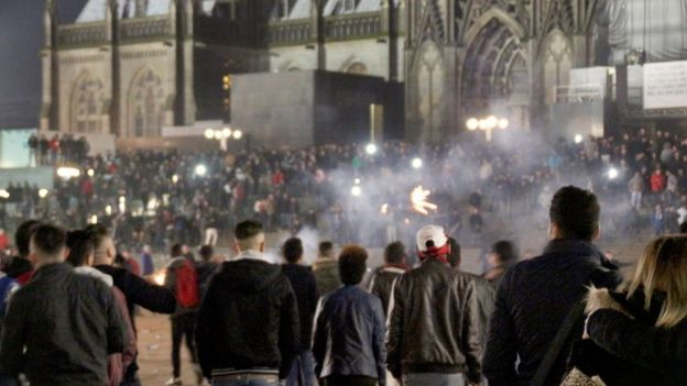 Crowds outside Cologne railway station on New Year's Eve 2015 (31/12/2015)