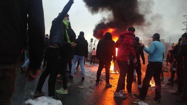 اعتراضات آبان در تهران