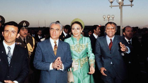 El sha de Irán con su esposa Farah Pahlavi