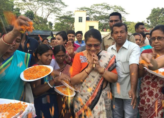 Dr Kakoli Ghosh Dastidar being welcomed in her constituency