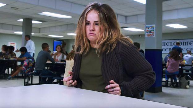 Personagem da série 'Insatiable' antes de perder peso