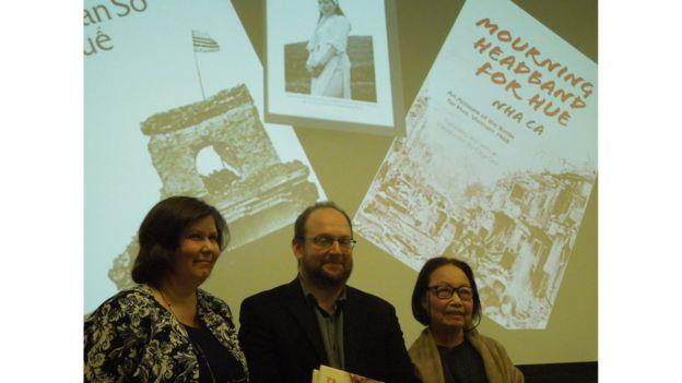 Mourning Headband for Hue, bản tiếng Anh của Cuốn Giải Khăn Sô Cho Huế do dịch giả Olga Dror (bìa trái) chuyển ngữ, ra mắt hồi 2/2015 và là đề tài hội thảo tại Đại Học Berkeley, California