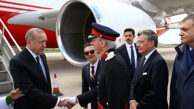 Erdoğan'a karşılama töreni.