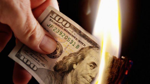 Dólar con fuego