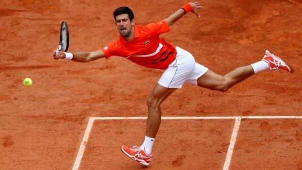 Novak Djokovic durante el abierto de Roland Garros en 2019.