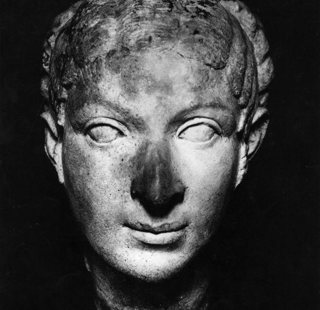 Busto de Cleopatra de 40 a.C.