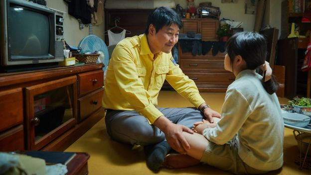 電影中,單親爸爸金四福為了女兒不惜冒險的形像感動許多觀眾。