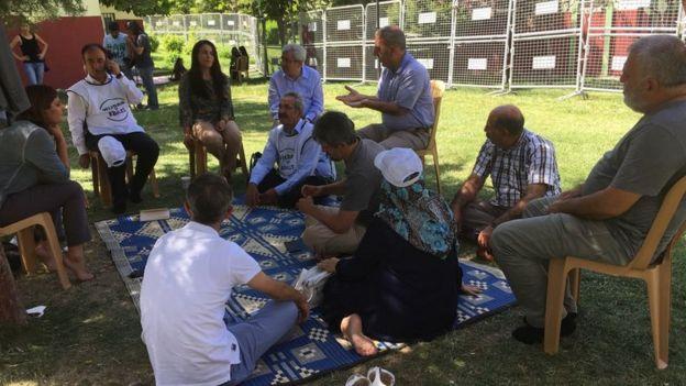 HDP Siirt Milletvekili Besime Konca da ziyarete gelenler arasında