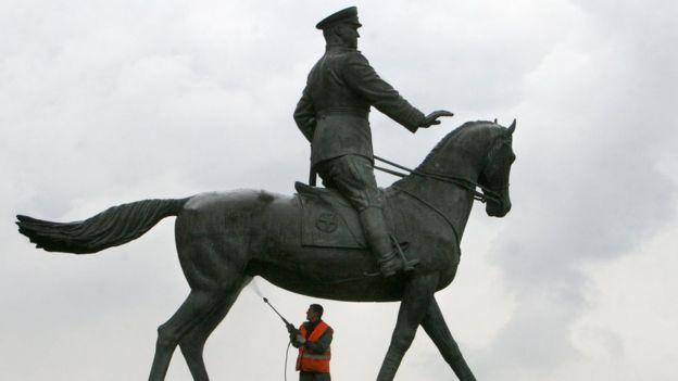 Tượng nguyên soái Zhukov ở Moscow
