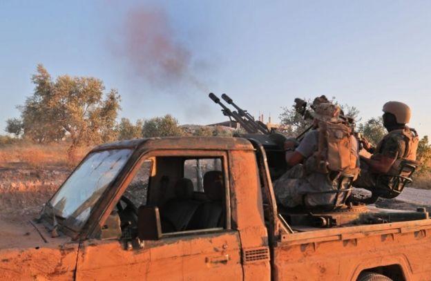 İdlib'in güneyindeki HTŞ militanları
