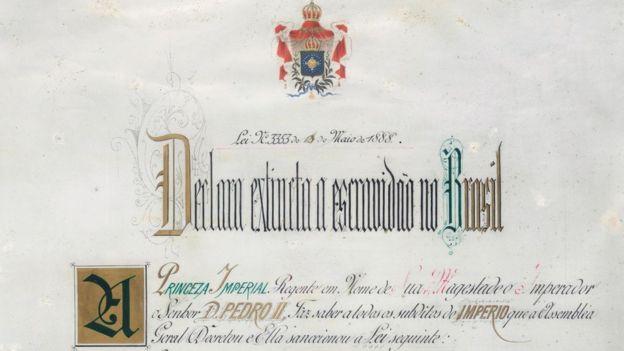 Reprodução do documento da Lei Áurea