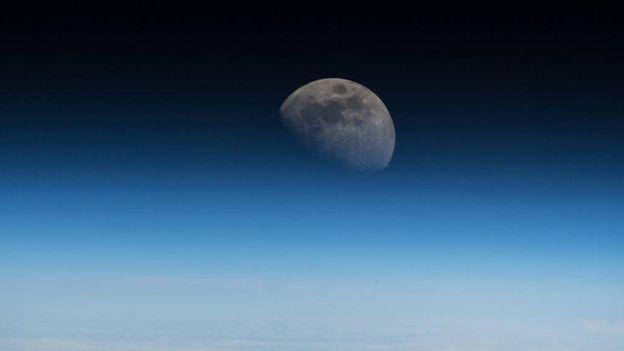 Imagem da Lua vista da Estação Espacial Internacional