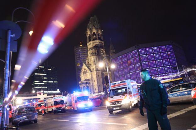 En Berlín, un camión irrumpió en un mercadillo navideño.