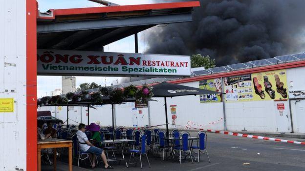 Cháy chợ Đồng Xuân Berlin