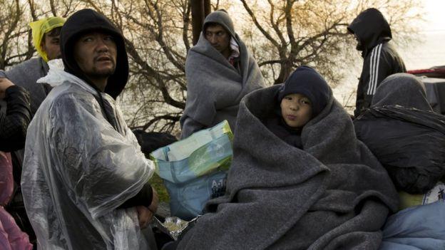 Midilli adasına ulaşabilen mülteciler ve göçmenler