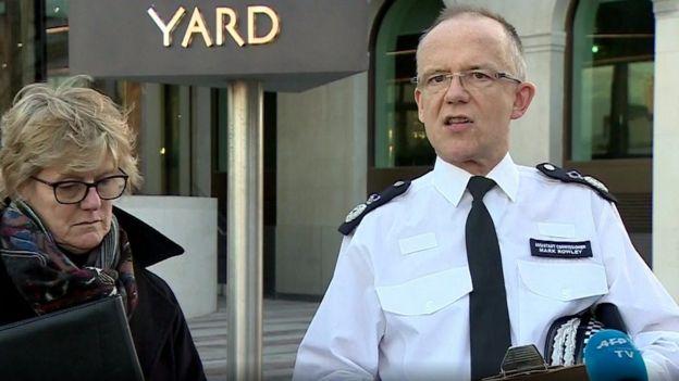 مارك راولي مساعد مفوضة الشرطة طلب مساعدة من لديه أي معلومات