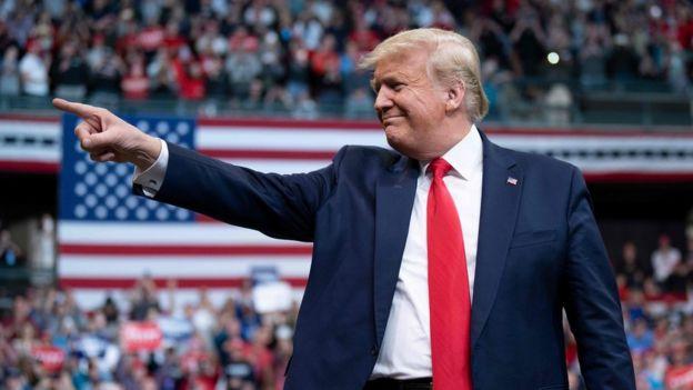 Donald Trump en un mítin de febrero de 2020