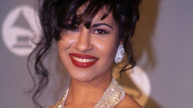 Selena Quintanilla en los premios Grammy de 1994.