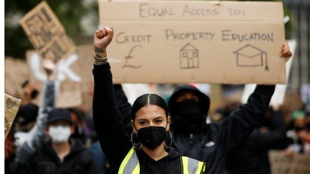تظاهرات در بریتانیا و استرالیا با وجود کرونا؛ 'جان سیاهان مهم است'