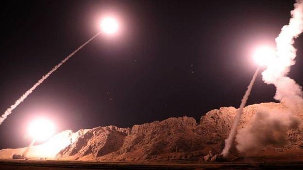 İran, kendi topraklarından fırlattığı füzelerle Suriye'deki muhalif hedefleri vuruyor.