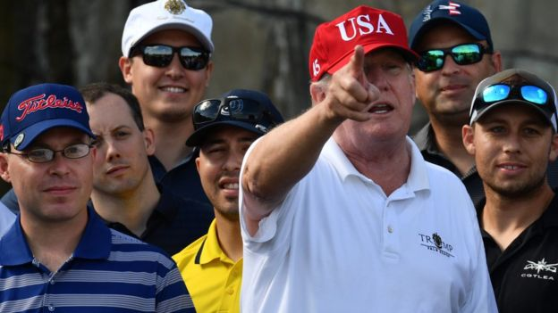Tổng thống Donald Trump tại Sân golf Trump International Golf Course ở Mar-a-Lago, Florida hôm 29/12/2017.