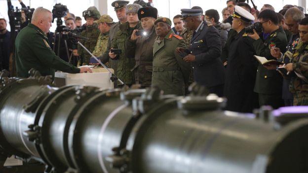 Rusia muestra su misil 9M729.