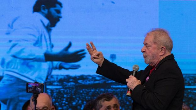 Ex-presidente Lula durante discurso no primeiro dia do 6º Congresso do nacional do PT em Brasília em junho de 2017.