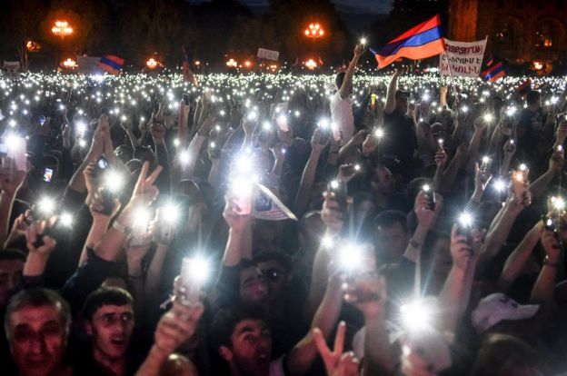 Pashinyan supporters at a rally in Yerevan on 2 May, 2018