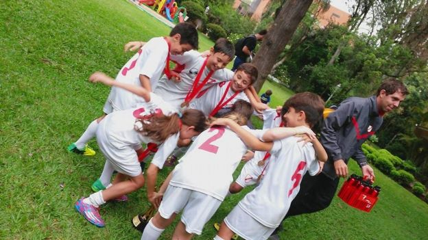100Mulheres Por que futebol ainda é esporte  só para homem  no ... 0800ac267a2b7