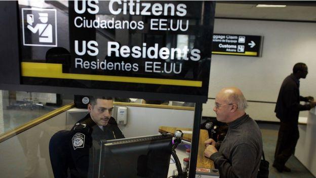 Punto de acceso de viajeros en un aeropuerto.