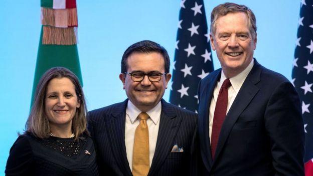 La ministra de Exteriores de Canadá, Chrystia Freeland, el ministro de Economía de México, Idelfonso Guajardo, y el representante de Comercio de EE.UU., Robert Lighthizer.