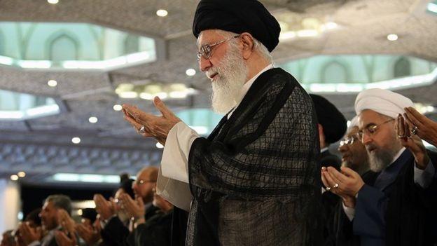 شعر انتقادی از دولت روحانی در مراسم عید فطر تهران جنجالی شد