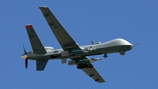 ABD'nin çeşitli ülkelerde SİHA'larla düzenlediği hava saldırıları da çeşitli tartışmalara yol açıyor. Bu saldırılarda sivillerin de
